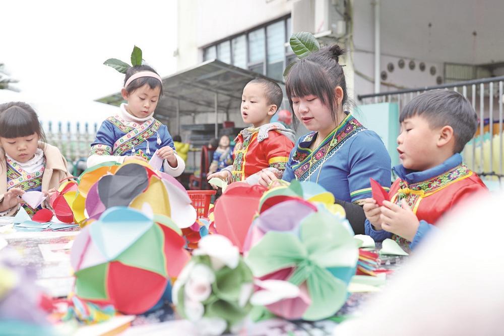 贵州玉屏:风情三月三 欢乐侗家娃